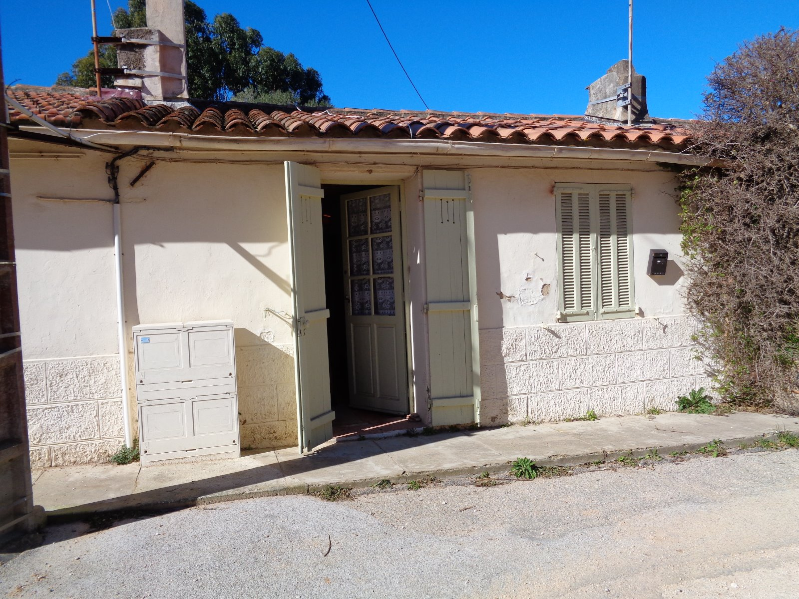 Vente maison a porquerolles exclusivite vendu for Maison appartement